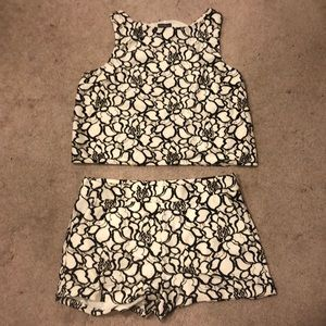 NEW EXPRESS CROP TOP AND SHORTS